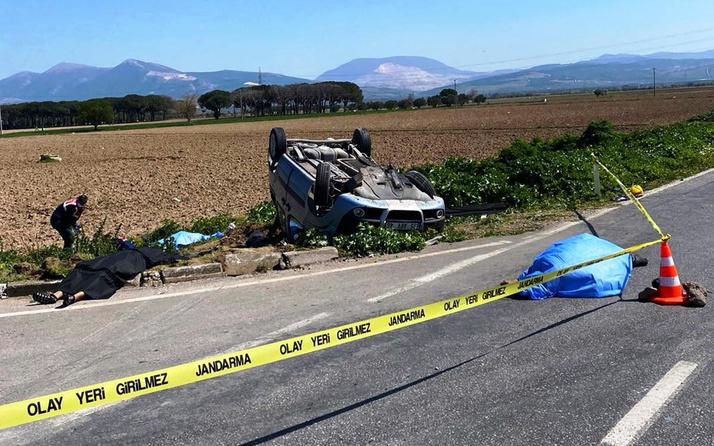 İzmir'de süt tankeri ile hafif ticari araç çapıştı 3 ölü 4 yaralı