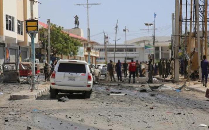 Somali'de yola tuzaklanan patlayıcı infilak etti: 17 ölü 2 yaralı