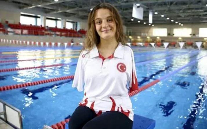Sümeyye Boyacı Paralimpik Yüzme Dünya Serileri'nin ilk gününde birincilik elde etti
