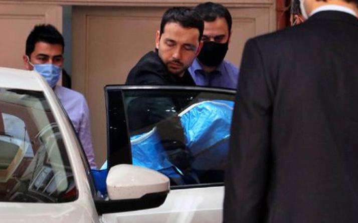Adana'da kazada ölen bebeğini son yolculuğuna kucağında götürdü