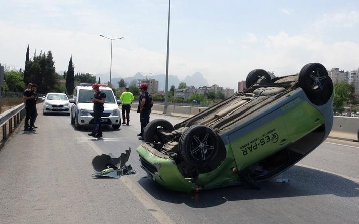 Antalya'da otomobil kontrolden çıkıp taklalar atarak ters döndü: Üzerim bile kirlenmedi