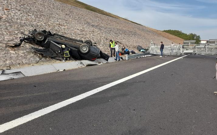Kazakistan Konsolosluğuna ait otomobil Kocaeli'de kaza yaptı 4 ölü
