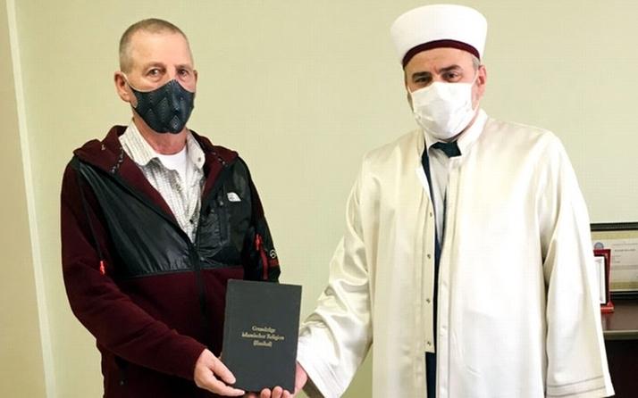 Bursa'da Ramazan ayından etkilenen Alman Müslüman oldu! İsmini değiştirdi