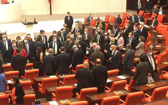 Mısır tezkeresi kabul edildi! Meclis'te gerginlik