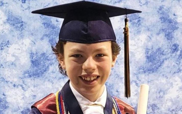 12 yaşındaki çocuk hem lise hem de üniversiteden mezun olacak