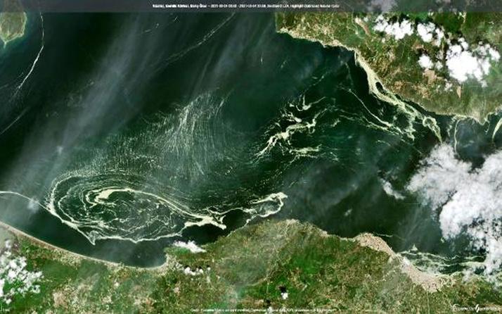 Marmara Denizi'ni saran salya uydudan böyle görüntülendi