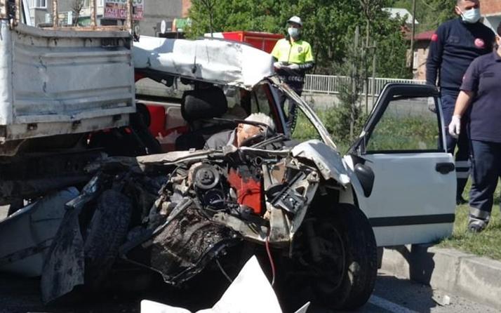 Trabzon'da trafik ışıklarında feci kaza: Kamyonete arkadan çarpan sürücü öldü