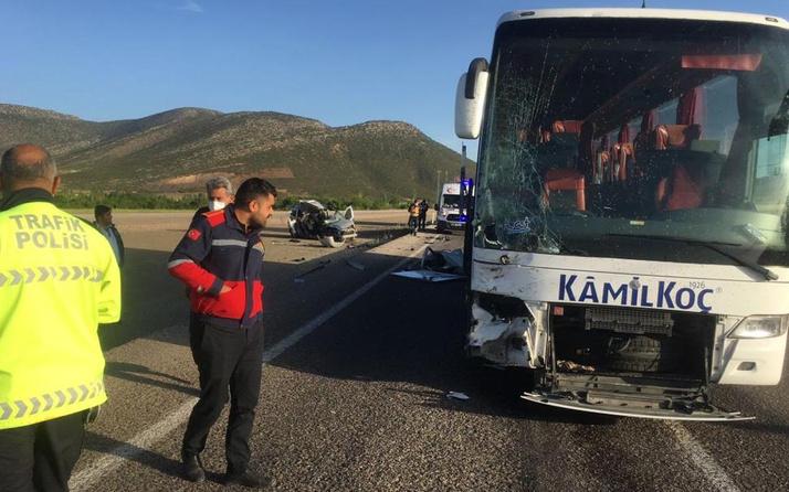 Isparta'da yolcu otobüsü ile hafif ticari aracın çarpıştığı kazada 1 kişi öldü