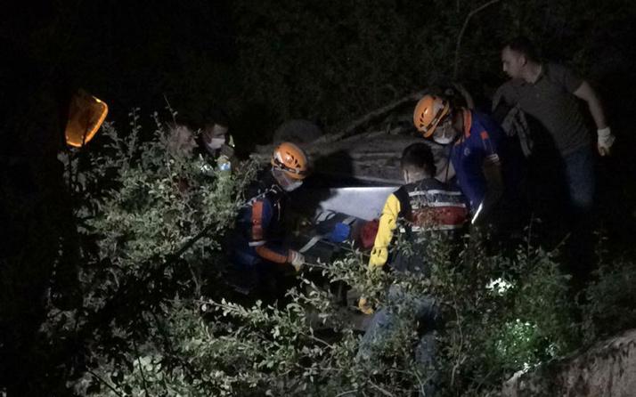 Afyonkarahisar'da uçuruma düşen otomobildeki 1 kişi öldü 4 kişi yaralandı