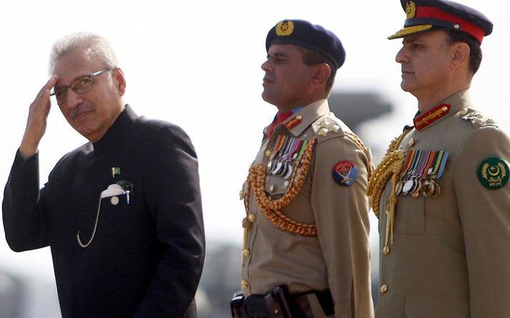 Pakistan Cumhurbaşkanı Alvi: Türkiye birlikte öncülük etmeliyiz
