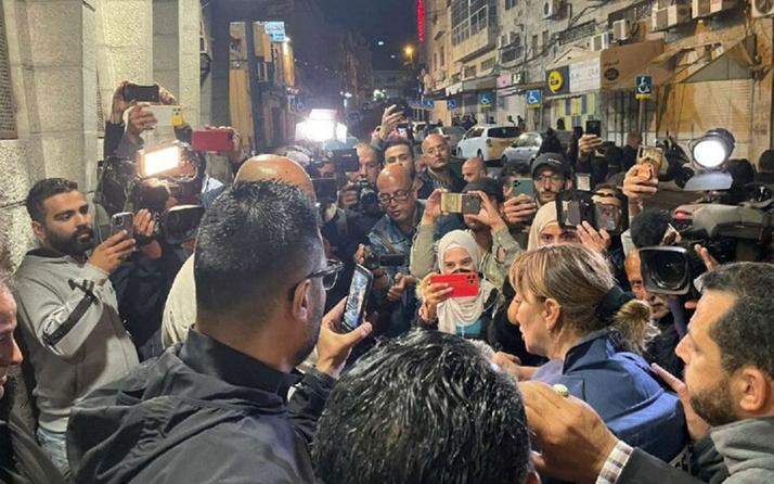 İsrail darp ederek gözaltına aldığı El Cezire muhabirini serbest bıraktı! Dava açacağım