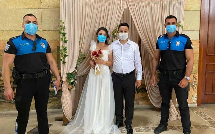Adana'da polisten nikahta koronavirüs uyarısı