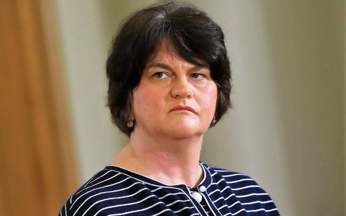 Kuzey İrlanda Başbakanı Foster istifa etti