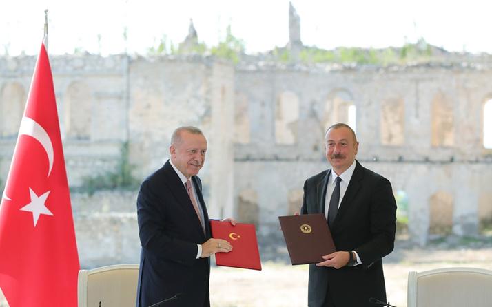 Erdoğan'dan Azerbaycan'a tarihi ziyaret Ortak basın toplantısı