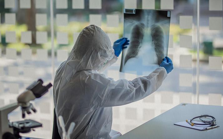 Koronavirüsü ağır geçirenlerin yüzde 1'inden daha azı yeniden enfekte oluyor