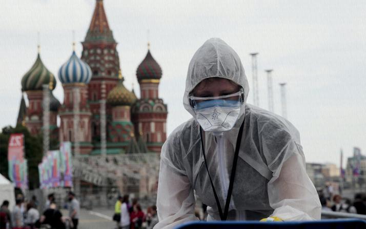 Rusya'dan şoke eden koronavirüs açıklaması: Aşı olanlarda da görülüyor