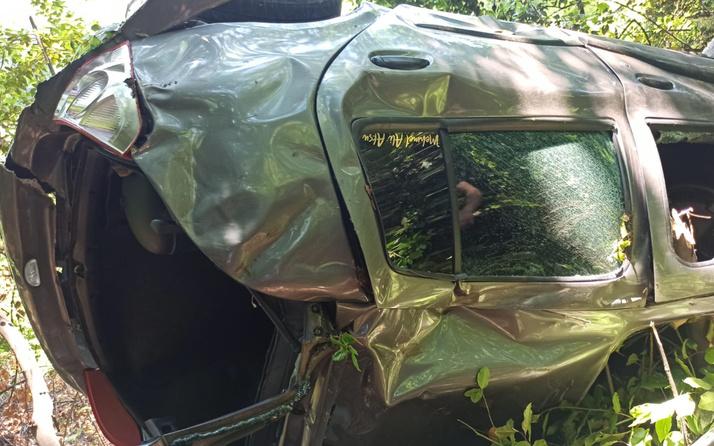 Zonguldak'ta 20 metreden ormanlık alana uçtu! Feci kazada araç hurdaya döndü