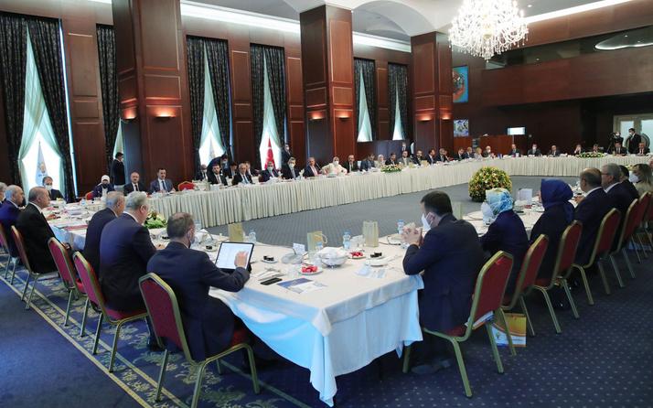 Cumhurbaşkanı Erdoğan'dan milletvekillerine talimat Ömer Çelik açıkladı