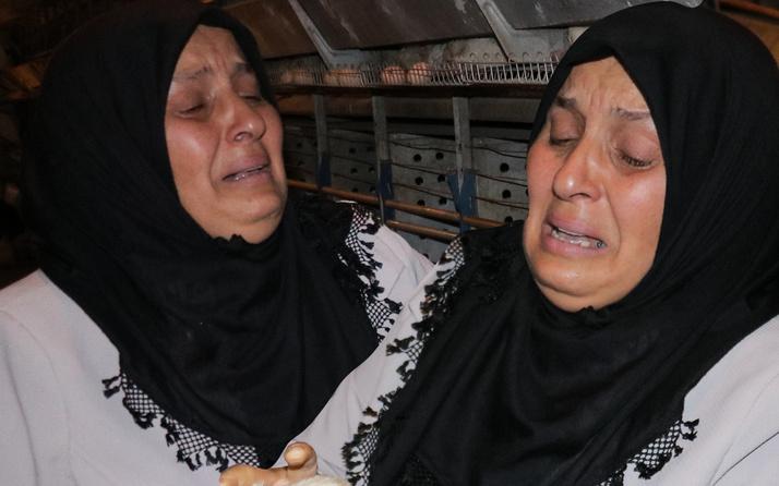 Kahramanmaraş'ta haberi alır almaz geldi! Gözyaşlarına boğuldu: Ağıt yaktı