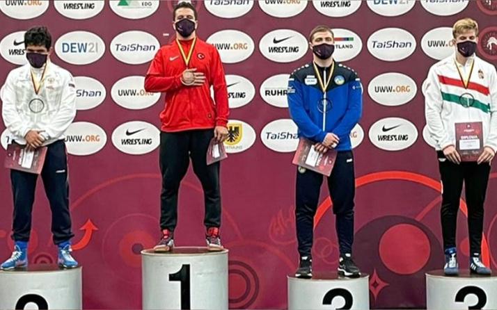 Avrupa Gençler Güreş Şampiyonası'nda Polat Polatçı'dan altın madalya