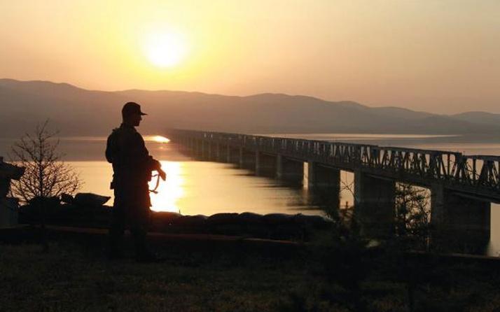 MSB: Yunanistan'a geçmeye çalışan 3'ü FETÖ üyesi 7 kişi yakalandı