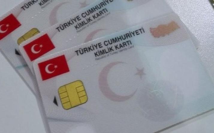 """Yeni dönem! Kimlik kartıyla seyahat edilebilen ülkelere artık """"fotoğrafsız"""" kimlikle gidilemeyecek"""