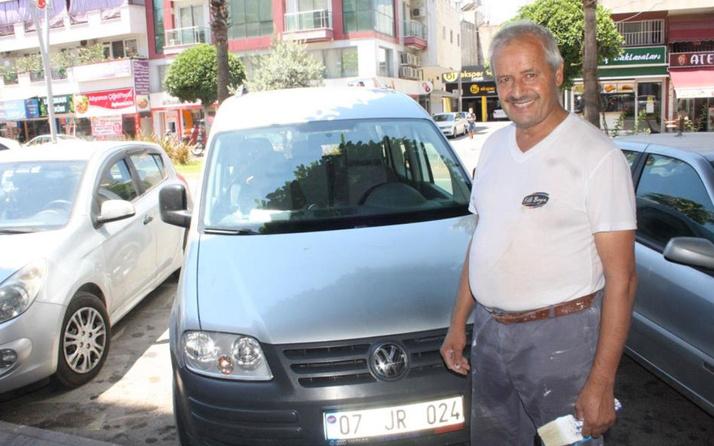 Antalya'da karakolda ifade verip çıkarken bayram yaşadı