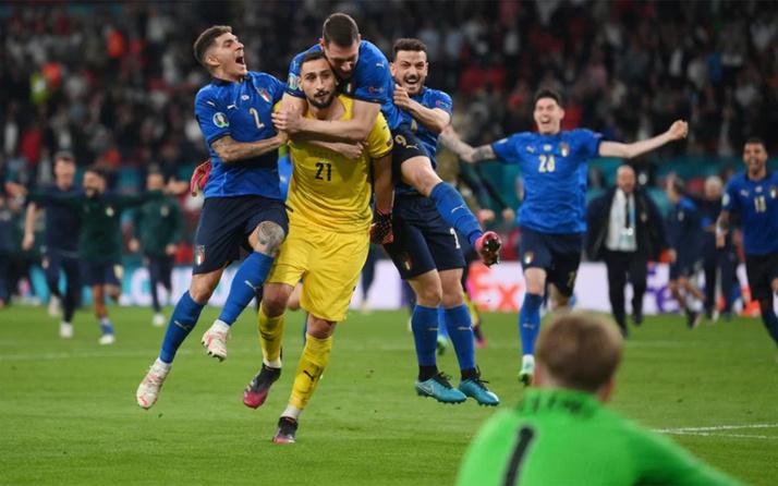 EURO 2020'de İngiltere'yi penaltılarda deviren İtalya şampiyon oldu