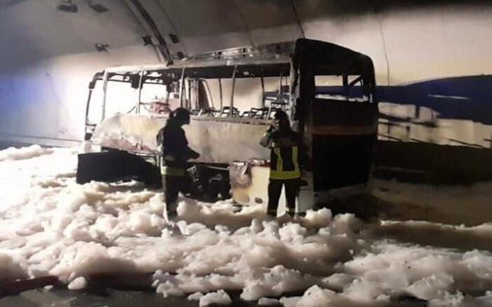 Lastik patlayınca otobüs alev alev aldı! Kahraman şoför 25 çocuğu kurtardı