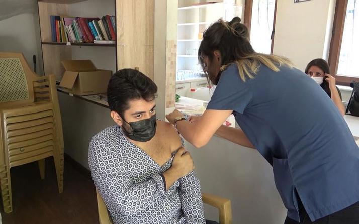 """Hoparlörlerden """"randevusuz Covid-19 aşısı"""" anonsu yapıldı! Vatandaşlar aşıya koştu"""