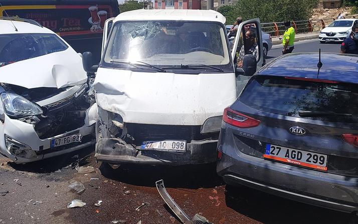 Mardin'de 3 araç birbirine girdi! Yaralılar var