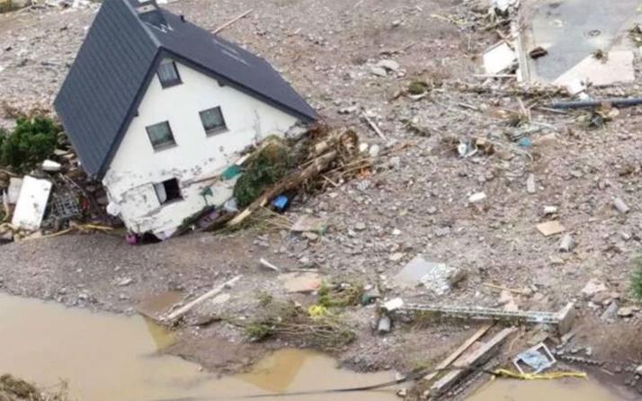 Almanya'da selin faturası ağırlaşıyor! Ölenlerin sayısı 58'e yükseldi