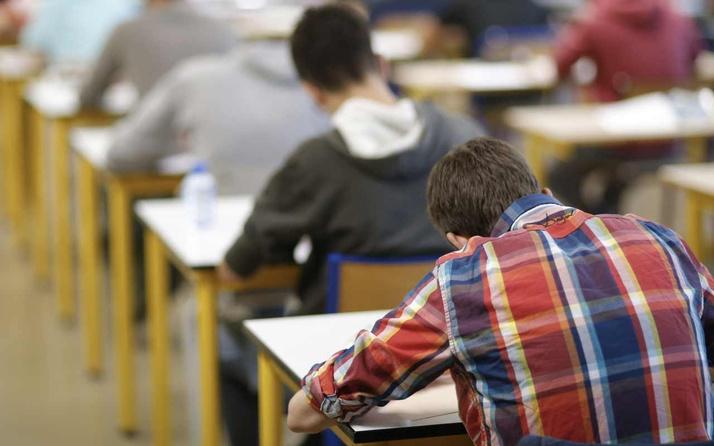 Vaka sayıları artarken Açıköğretim öğrencilerinin yüz yüze sınav isyanı