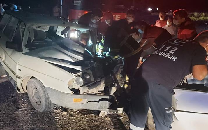 Denizli'de iki otomobil çarpıştı! 1 kişi öldü, 9 yaralı var