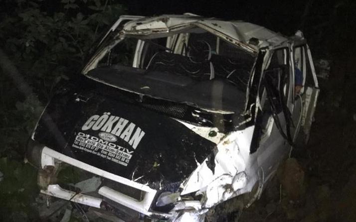 Giresun'da facia! Yayladan dönen kamyonet uçuruma yuvarlandı: 1 ölü 10 yaralı