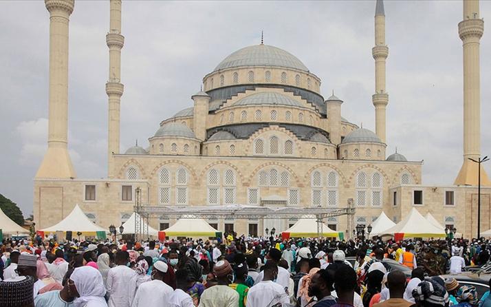 Akra'da açılan Gana Milli Cami ve Külliyesi, Osmanlı mimarisiyle dikkati çekiyor