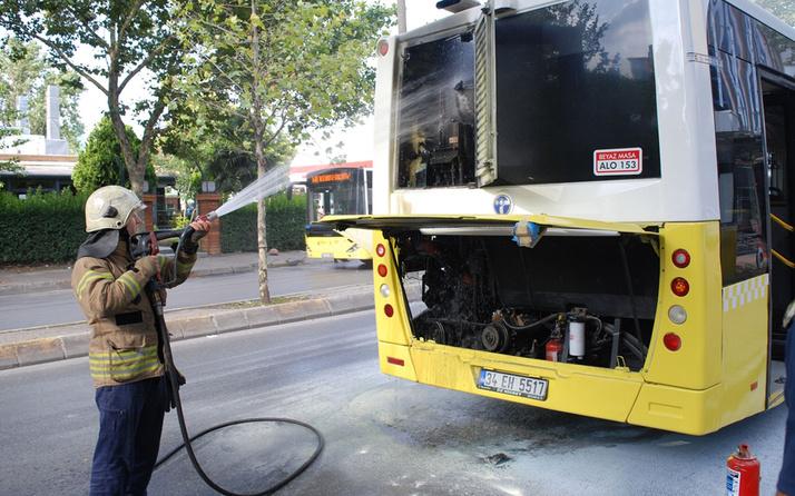 Ataşehir'de seyir halindeki özel halk otobüsünde çıkan yangın söndürüldü