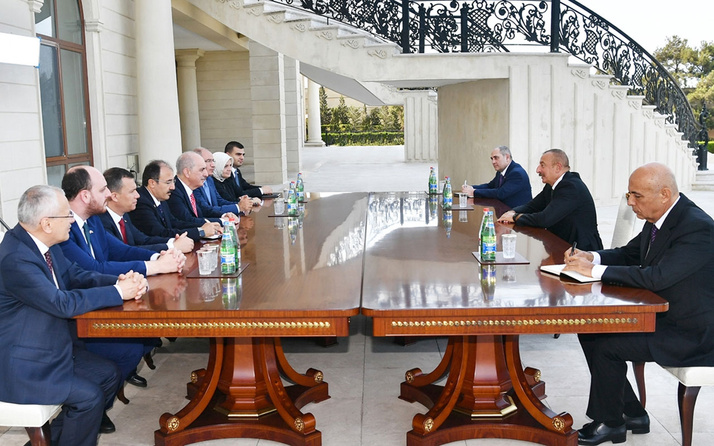 AK Parti heyetinden İlham Aliyev'e ziyaret