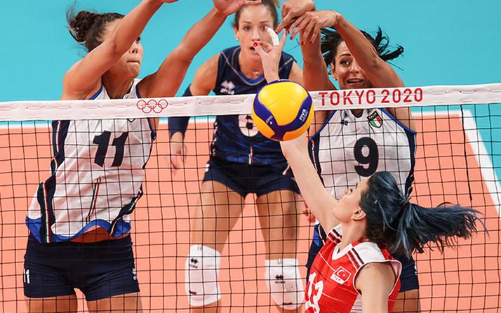 Tokyo 2020 Olimpiyatları'nda Filenin Sultanları İtalya'ya kaybetti!