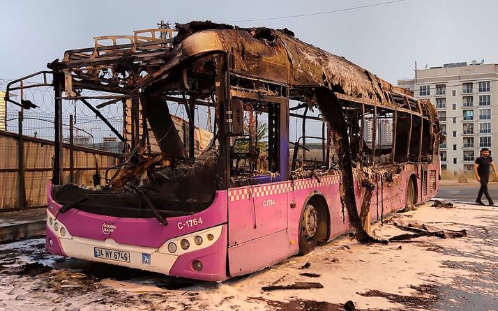 İstanbul Başakşehir'de İETT otobüsü alev alev yandı