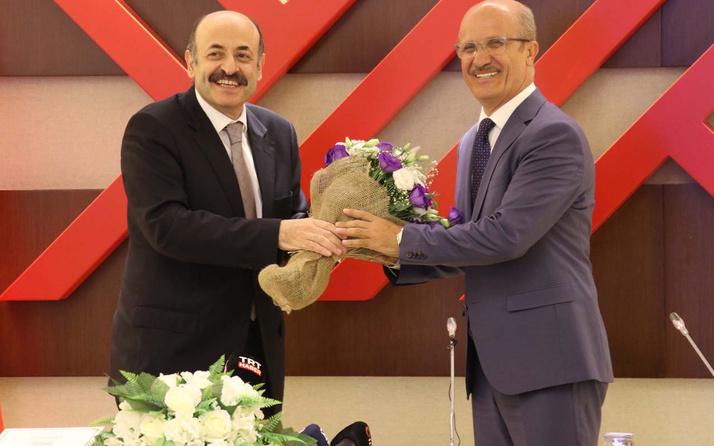 YÖK Başkanlığında devir teslim töreni Yekta Saraç, Erol Özvar'a devretti