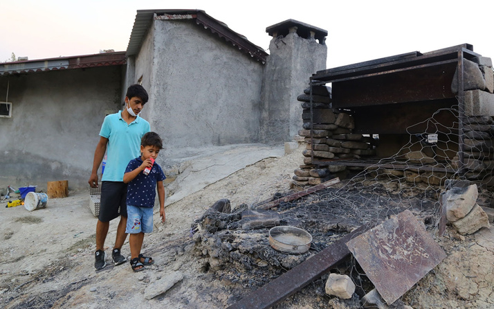Manavgat'ta yangından kurtulmuştu ilk kümese baktı üzücü tabloyla karşılaştı