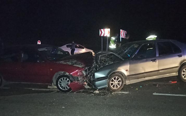 Kahramanmaraş'ta feci kaza! İki araç kafa kafaya çarpıştı: Çok sayıda yaralı var