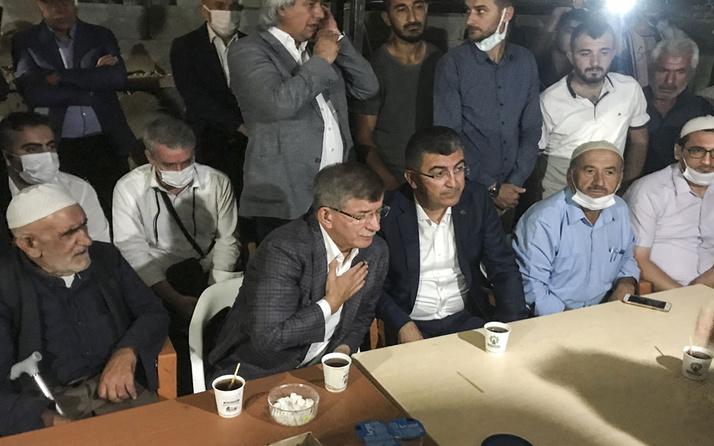 Ahmet Davutoğlu, Konya'da öldürülen 7 kişinin yakınlarına taziye ziyaretinde bulundu