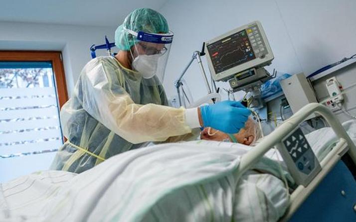 Dünyanın en uzun Covid-19 hastasında keşfedildi: Spor salonu gibi kullandı