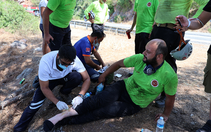 Bakan Koca yangınların sürdüğü Antalya ve Muğla'da son durumu paylaştı