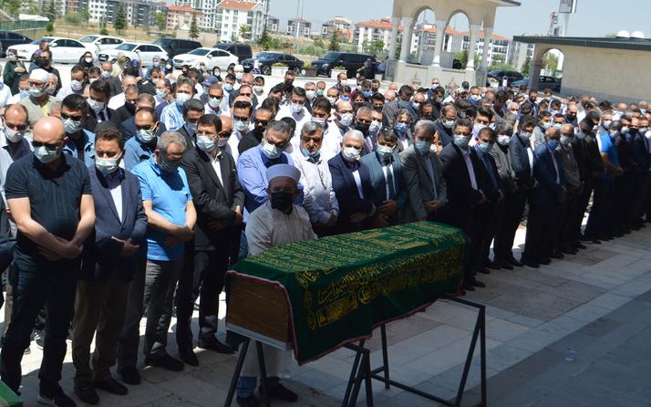 Ali Babacan'ın kayınpederinin cenazesi Afyonkarahisar'da toprağa verildi