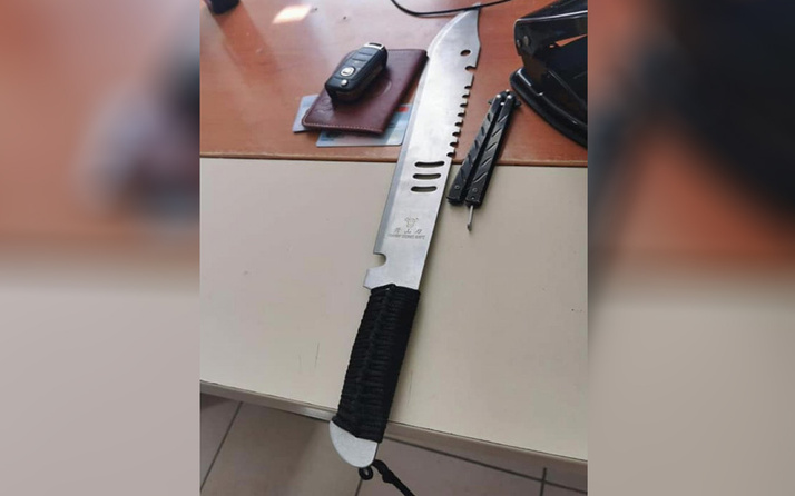 Adana'da 'maske' uyarısı yapan sağlıkçılara 'Rambo' bıçağıyla kabusu yaşattılar