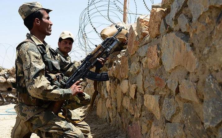 ABD uçakları Afganistan'da Taliban'ın silah ve mühimmat deposunu bombaladı