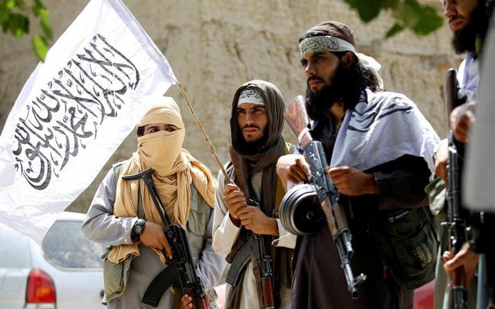 Taliban'dan yeni yasaklar! Berberlere sakal traşını ve dükkanlarda müziği yasakladı
